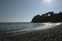 el mar es com una pedra preciosa.