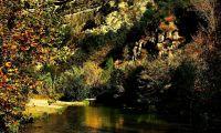 Rio de aguas termales en Jerica