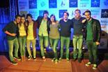 Gala final de la 1a edició de TeenStar Els artistes es tiren fotos amb els fans