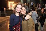 Gala final de la 1a edició de TeenStar Laura del Pino i Aura Moreno, de fons l'escenari.