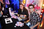 Gala final de la 1a edició de TeenStar La Clara Lapiedra ven CDs i Samarretes de Teen Star