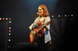 Gala final de la 1a edició de TeenStar Laura del Pino salta a l'escenari