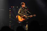Gala final de la 1a edició de TeenStar En Roger Argemí cantant \