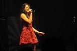 Gala final de la 1a edició de TeenStar Aura Moreno i el seu vestit brillant ballen imponents tot versionant \