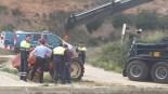 Tractor afonat al Canal de la Dreta de l'Ebre