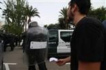 Els antiavalots de la Guàrdia Civil carreguen contra els votants a la Ràpita