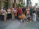 La manifestació del 10-J amb ulls ripollesos El PSC del Ripollès abans de la manifestació. Foto: Núria López