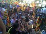 La manifestació del 10-J amb ulls ripollesos Les JSC seuen contra la retallada. Foto: Núria López