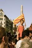 La manifestació del 10-J amb ulls ripollesos Senyera al Cinc d'Oros. Foto: Marina Cabanis