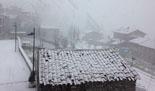 Paisatge i meteorologia de novembre al Ripollès Nevant amb ganes a Molló (30 de novembre). Foto: Pep Coma