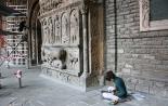 El 2013, en 115 fotografies Treballs previs de restauració al simposi sobre la portalada del Monestir de Ripoll (15 d'octubre). Foto: ElRipollès.info