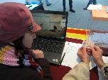 El 13-D en imatges El registre del primer votant a Ribes. Foto: Laia Deler