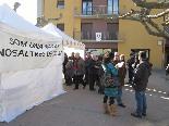 El 13-D en imatges Els portaveus de Vall de Ribes Decideix! atenent a la premsa. Foto: Pere Villanueva