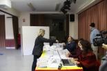 El 13-D en imatges L'alcaldessa de Vallfogona, Maria Carme Freixa (ERC), votant. Foto: Filip Dalla