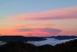 Paisatge i meteorologia de gener al Ripollès Boira al Baix Ripollès des de la carretera de coll de Jou (28 de gener). Foto: Antonina Coromina