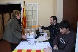 Consultes sobre la independència del 25 d'abril Primers votants a Camprodon
