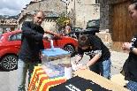 Consultes sobre la independència del 25 d'abril Un votant a Vilallonga