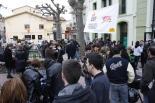 Consultes del 28F La plaça Anselm Clavé, ben plena