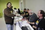 Consultes del 28F El portaveu de Campdevànol Decideix, Arnau Birba, votant