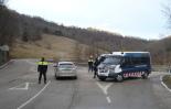 Detenció de suposats membres d'ETA al Ripollès Control policíac al trencant de Beget