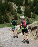 Ultratrail els Bastions de la Vall de Ribes Dani Ballesteros i Xevi Guinovart a punt d'arribar a Núria. Foto: Arnau Urgell