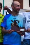 Ultratrail els Bastions de la Vall de Ribes El ripollès Ivan Bober amb el trofeu de tercer classificat. Foto: Laia Deler