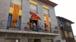 Diada Nacional: estelades al Ripollès Ajuntament de Planoles.Foto: Josep Manel López