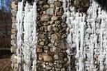 Rius glaçats per l'onada de fred Glaç a l'entorn d'un canal de Ripoll. Foto: Josep Maria Costa