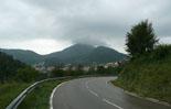 Ripollès: paisatge i meteorologia (juny-juliol 2011) El Catllar de Ripoll embarretinat des de la carretera de Vallfogona. Foto: Arnau Urgell