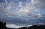 Ripollès: paisatge i meteorologia (juny-juliol 2011) Petits cúmuls de matí a Ripoll. Foto: Arnau Urgell