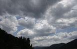 Ripollès: paisatge i meteorologia (juny-juliol 2011) Cúmuls de tarda a Ripoll. Foto: Arnau Urgell