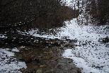 Nevada del 15-16 de febrer Un torrent de Ripoll emblanquinat. Foto: Arnau Urgell