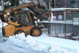 Nevada del 28 i 29 de gener Una màquina traient neu a Ribes. Foto: Arnau Urgell