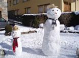 Nevada del 28 i 29 de gener Ninots de neu a Llanars. Foto: Joan Solé