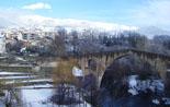 Nevada del 28 i 29 de gener El pont de Sant Joan blanc aquest dilluns. Foto: Joan Rota