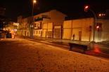 Nevada del 7 de gener Les zones verdes del carrer Progrés blanques. Foto: Arnau Urgell