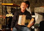 L'any 2010 en 100 imatges El síndic d'Aran, Francesc Boya, actuant al Romànic en Viu a Planoles. Foto: Arnau Urgell