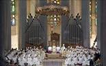 L'any 2010 en 100 imatges El Crist del santjoaní Francesc Fajula presidint la Sagrada Família. Foto: EFE