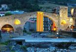 El 2012 al Ripollès, en 125 imatges Estelada gegant a Camprodon, el darrer municipi en adherir-se a l'AMI. Foto: Jordi Juncà