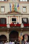 El 2012 al Ripollès, en 125 imatges Hissada de l'estelada permanent a l'Ajuntament de Ripoll. Foto: Arnau Urgell