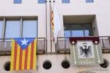 El 2012 al Ripollès, en 125 imatges Estelada a l'Ajuntament de Sant Joan per la Diada. Foto: Marc Cargol