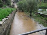 Temporal de pluja del 10 d'octubre Un canal de Sant Joan ben ple. Foto: Protecció Civil Sant Joan