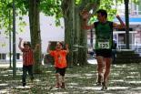 I Cursa de les Quatre Ermites de Ripoll Dani Ballesteros arribant a la meta del passeig Ragull. Foto: Arnau Urgell