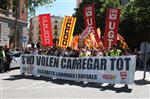 1 de maig a Girona Moment en què la capçalera de la manifestació del Primer de Maig a Girona ha sortit de la plaça Independència en direcció cap a l'Ajuntament