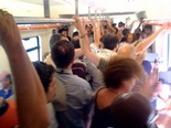Manifestació 10-J: les fotos dels ciutadans Tren de rodalies ple. Foto: Joan Guirado