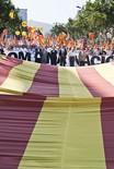 Manifestació 10-J: les fotos dels ciutadans La senyera que obria la marxa. Foto: Gerard Garcia