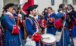 Les millors fotos de la setmana de Nació Digital   Commemoració de la Batalla de Montesquiu de 1714.Foto:  Adrià Costa