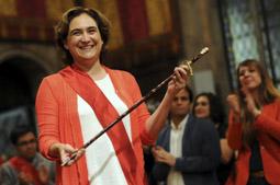 Les millors fotos de la setmana de Nació Digital Investidura d'Ada Colau com a alcaldessa de Barcelona. </br> Foto: Iván Giménez