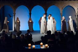 Les millors fotos de la setmana de Nació Digital Representació d'«Arnaus» del SAT-Teatre Centre, al Cicle Comte Arnau de Sant Joan de les Abadesses. </br> Foto: Marc cargol