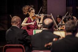 Les millors fotos de la setmana de Nació Digital <a href='http://www.naciodigital.cat/sabadell/galeria/120/pagina1/osv/inacabada/schubert/al/palau'>L'Orquestra Simfònica del Vallès interpreta la Inacabada de Schubert al Palau de la Música</a>. </br> Foto: Juanma Peláez